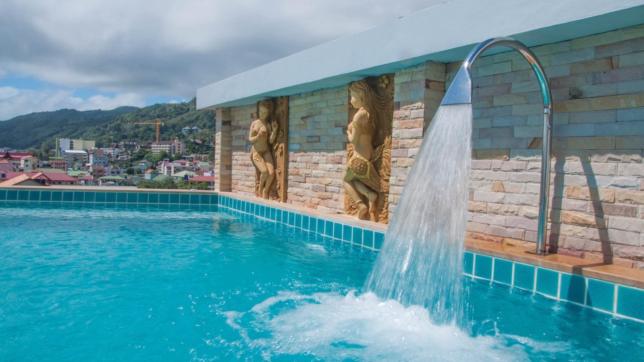 Фото бассейна в бюджетном отеле Patong Mansion 3* (Патонг)