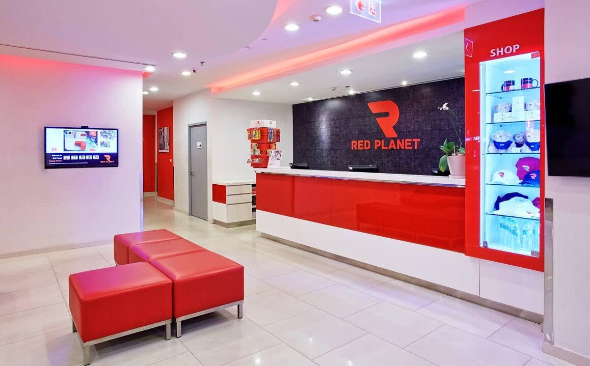 Вид вестибюля гостиницы Red Planet Patong (Пхукет)