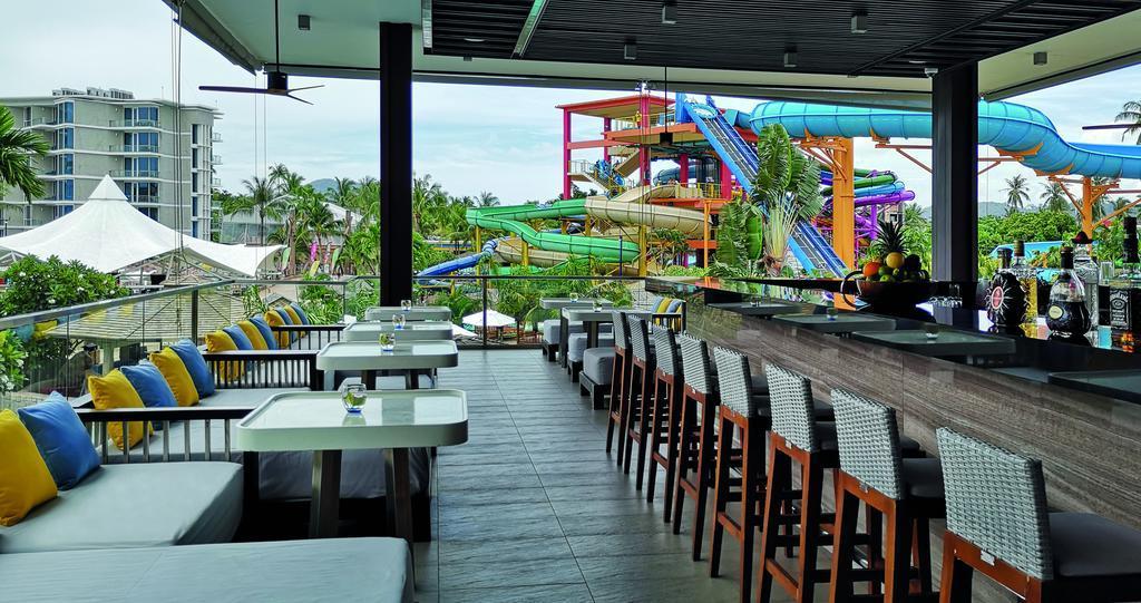 Фото отеля Splash Beach Resort рядом с аквапарком