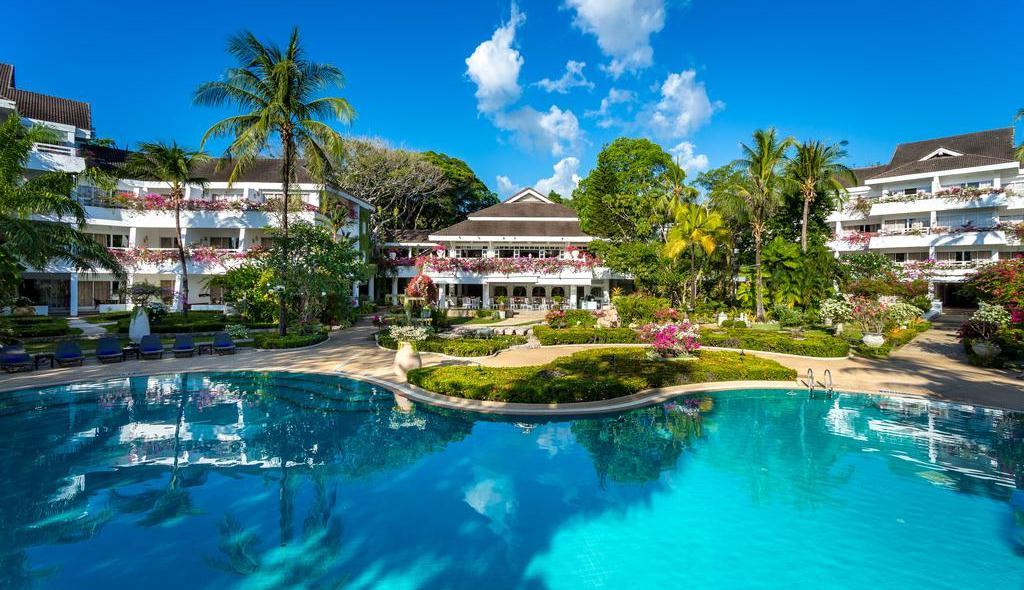 Резорт Thavorn Palm Beach Resort на пляже Карон