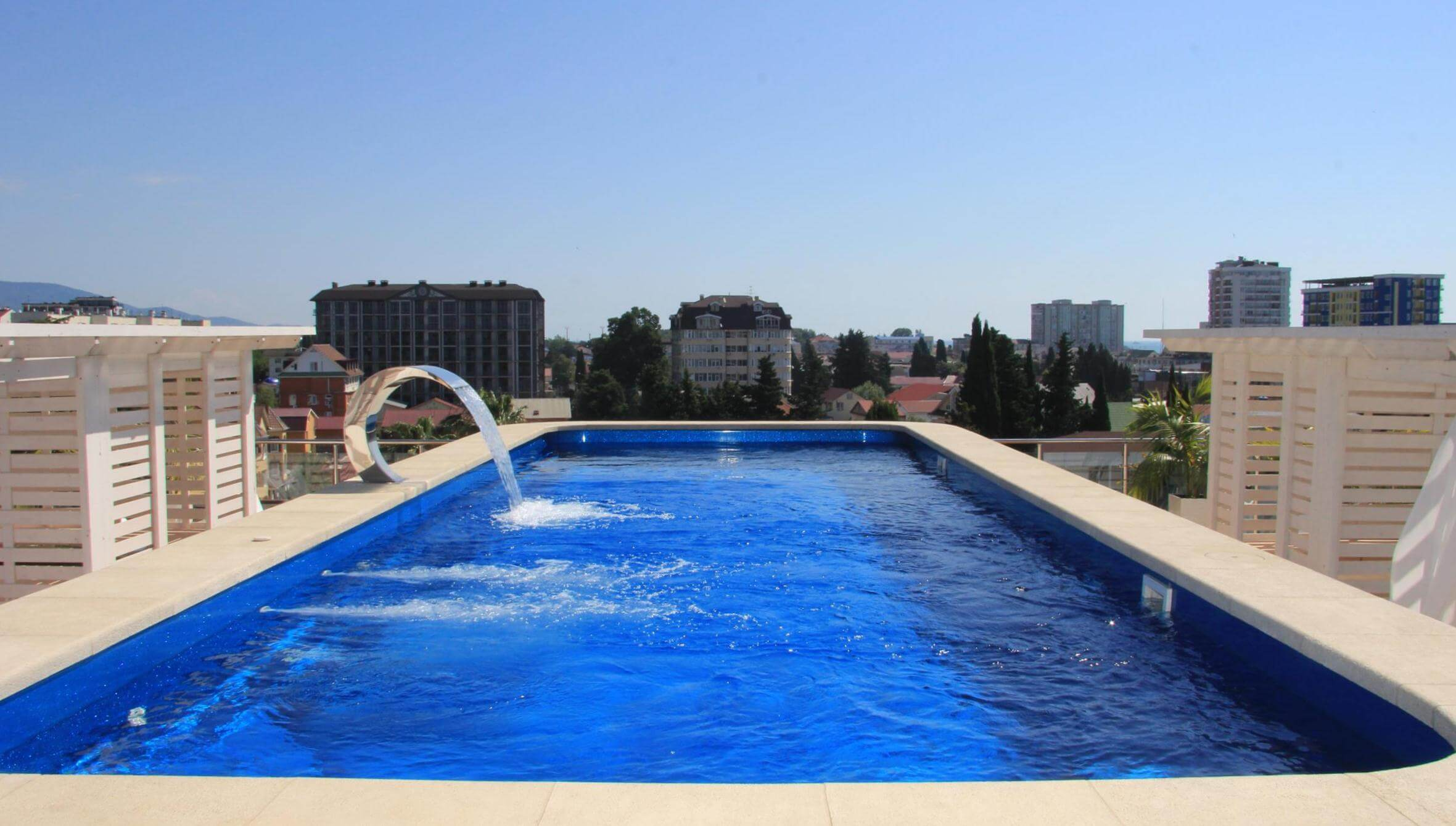 Фото бассейна в апарт-отеле Форвард в Адлере
