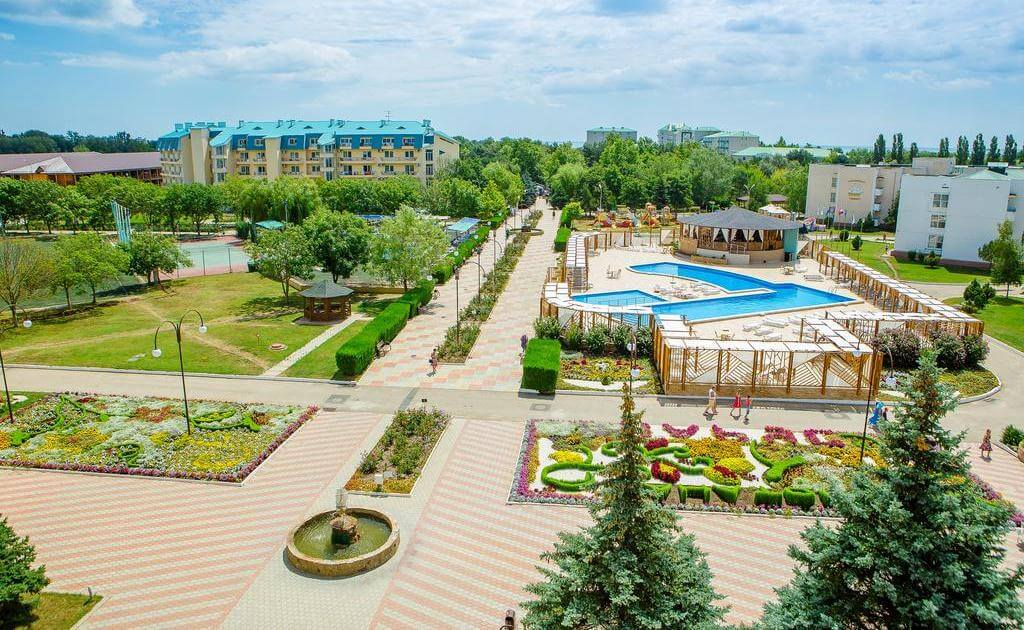 "Фото бассейнов санатория ""Парус"" в Анапе"