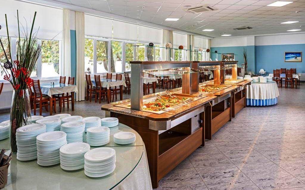Шведский стол в пансионате «Приморский»