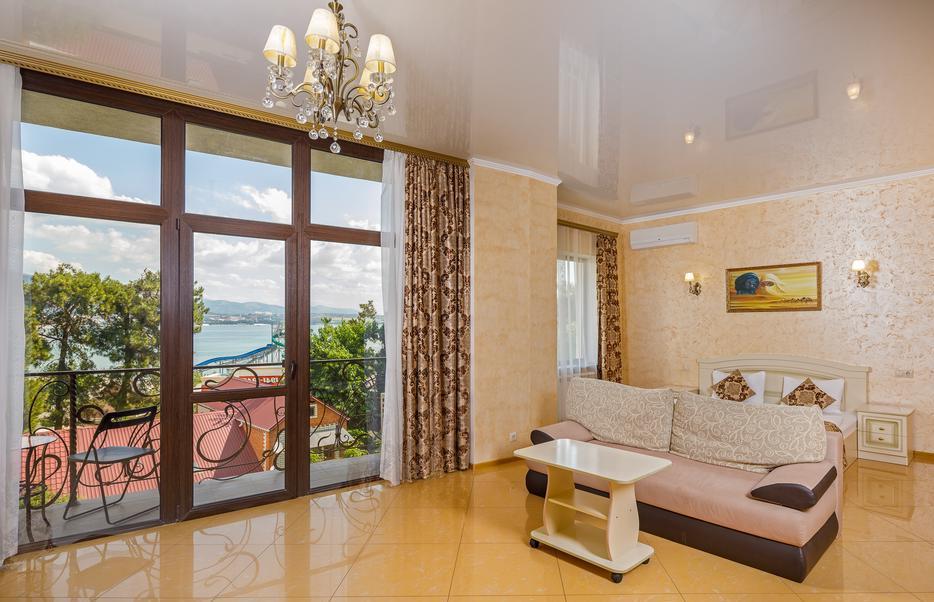 «Вегас» - гостевой дом у моря в Геленджике