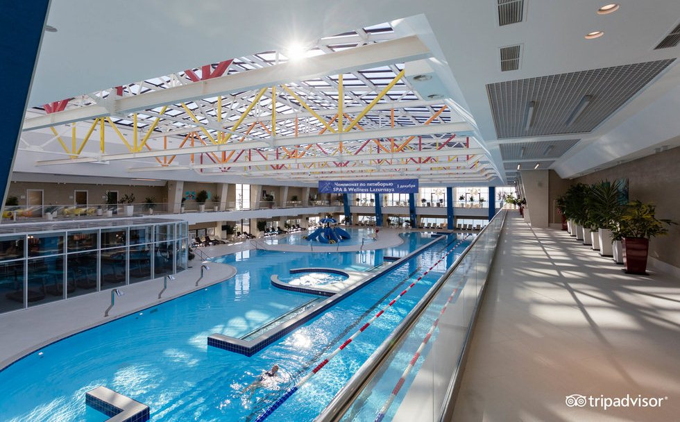 Фото бассейна в отеле Рэдиссон Лазурная