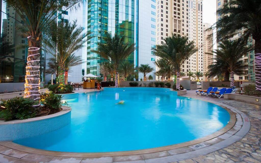 Фото бассейна в отеле JA Oasis (Дубай Марина)