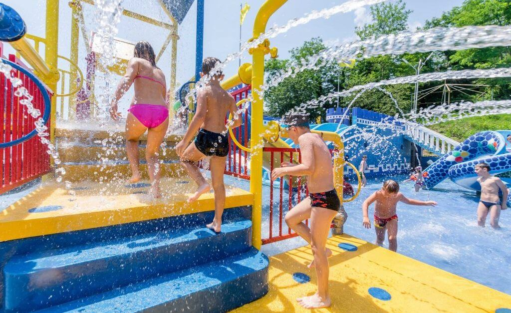 Фото детской части аквапарка Аквалоо