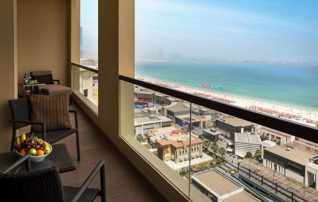 Фото отеля Amwaj Rotana