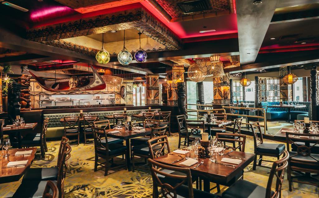 Ресторан в Hilton Dubai Jumeirah Resort 5*