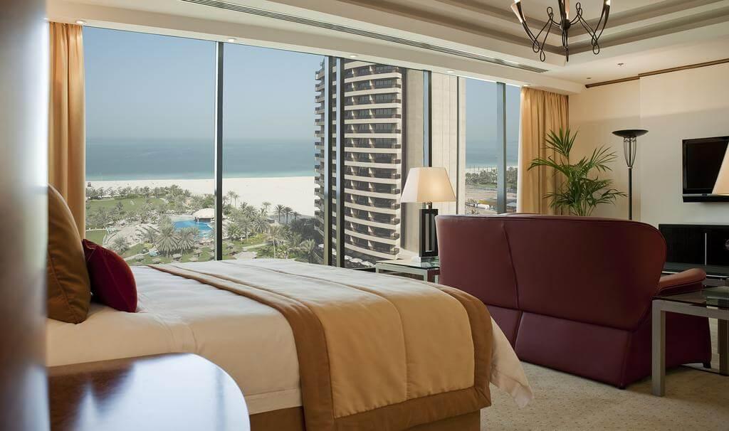 Фото номера в Le Royal Méridien Beach Resort & Spa 5*