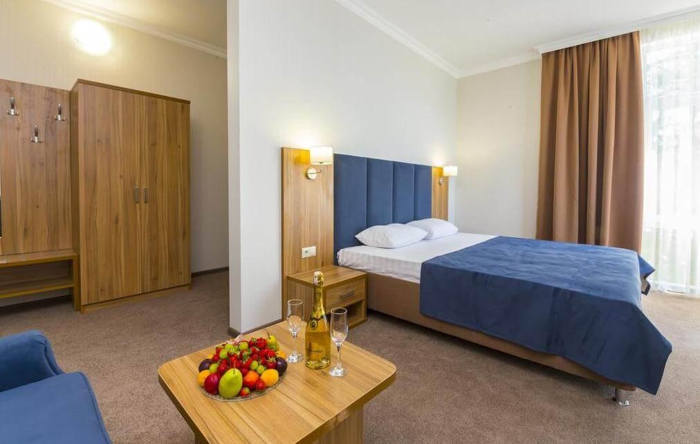 Фото номера в отеле «Золотой якорь» (4 звезды, Гудаута)